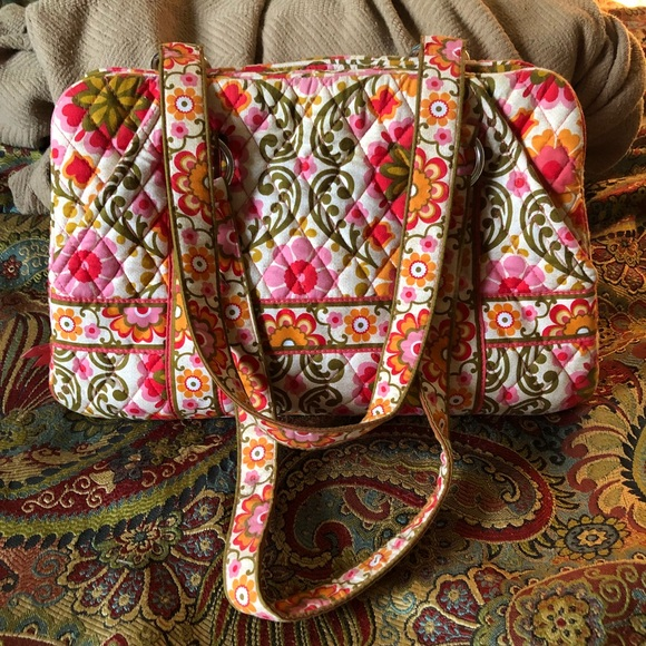 0b0d4f529fea Discontinued Vera Bradley Purse in Folkloric
